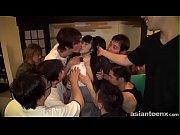 เด็กนักเรียนญี่ปุ่นตัวนิดเดียวแหกขาโดนรุมโทรมสิบควย