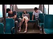 ข่มขืนสาวบนรถเมลล์ เธอหลับสนิทแหกหีอ้าจนแอบเงี่ยน
